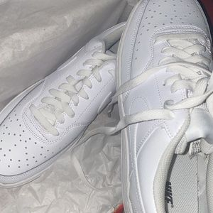 BRAND NEW NIKE AIR FORCE ONES '07 ALL WHITE
